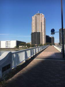 ナオミとカナコのロケ地の橋