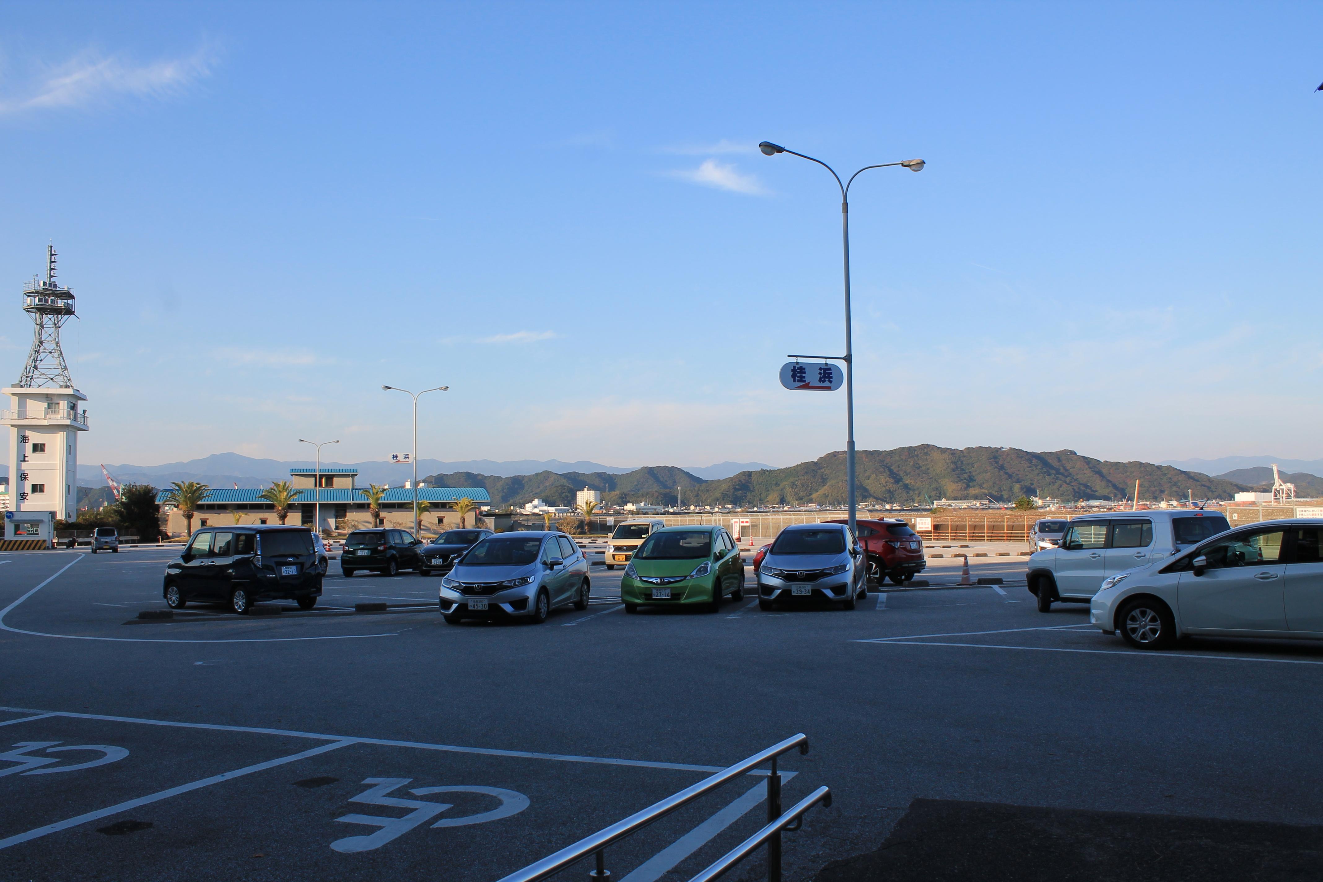 桂浜の駐車場(有料)
