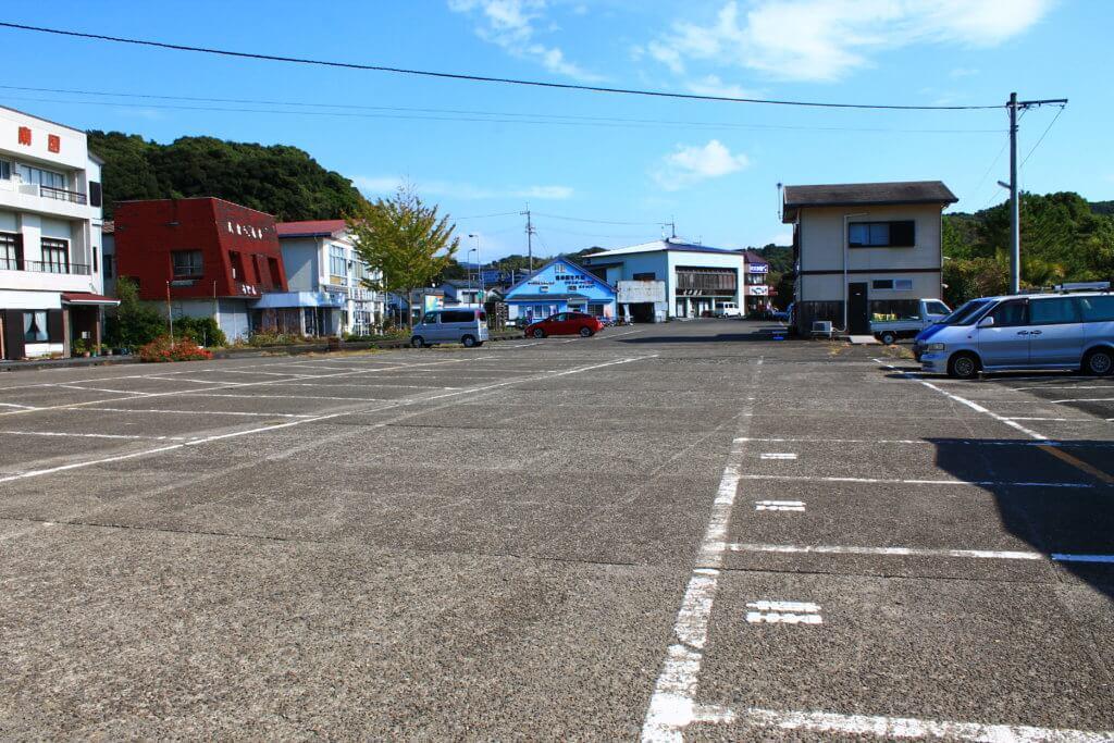 竜串海岸の駐車場