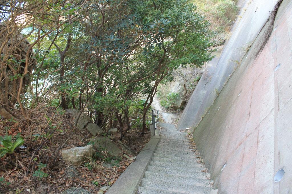 柏島の白浜ビーチへ続く階段
