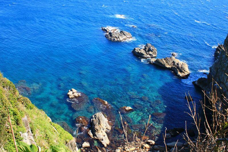 晴れの日の足摺岬の海