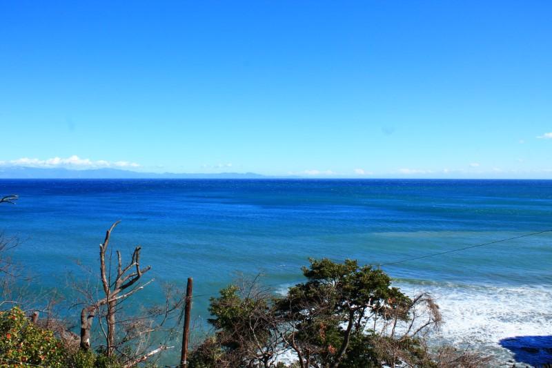 喫茶店:かいざん駐車場から見える海