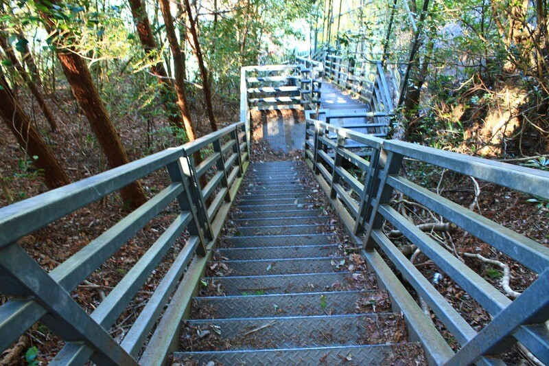 奥大井湖上駅までの階段