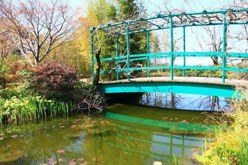 モネの庭、日本風の太鼓橋