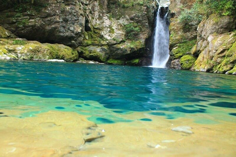 にこ淵の水の美しさ