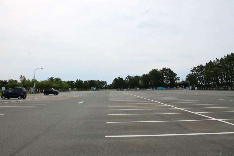 ウォットの駐車場