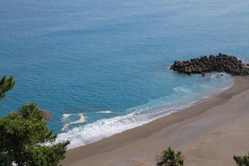 坂本龍馬記念館の前の海